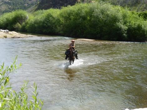 Durch den Rio Epuyen